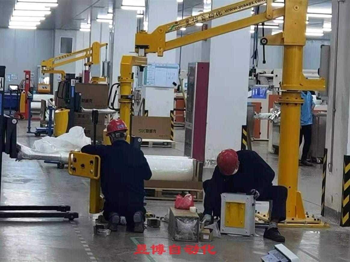 光伏材料生產用助力機械手